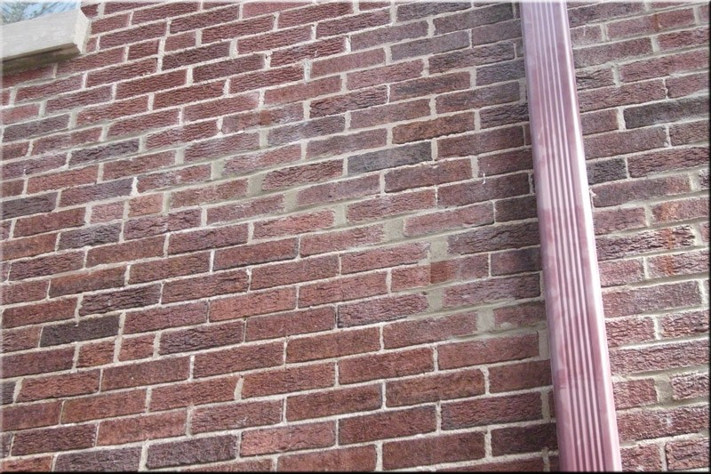 Tuckpointing-Cracked-Brick-Wall-After