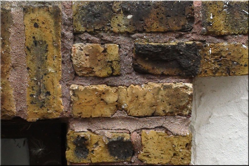 Tuckpointing-Stucco-Close-1